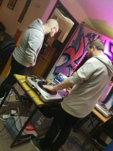 DJ Jus Me DJ / Scratch Workshop at The Kabin Studio